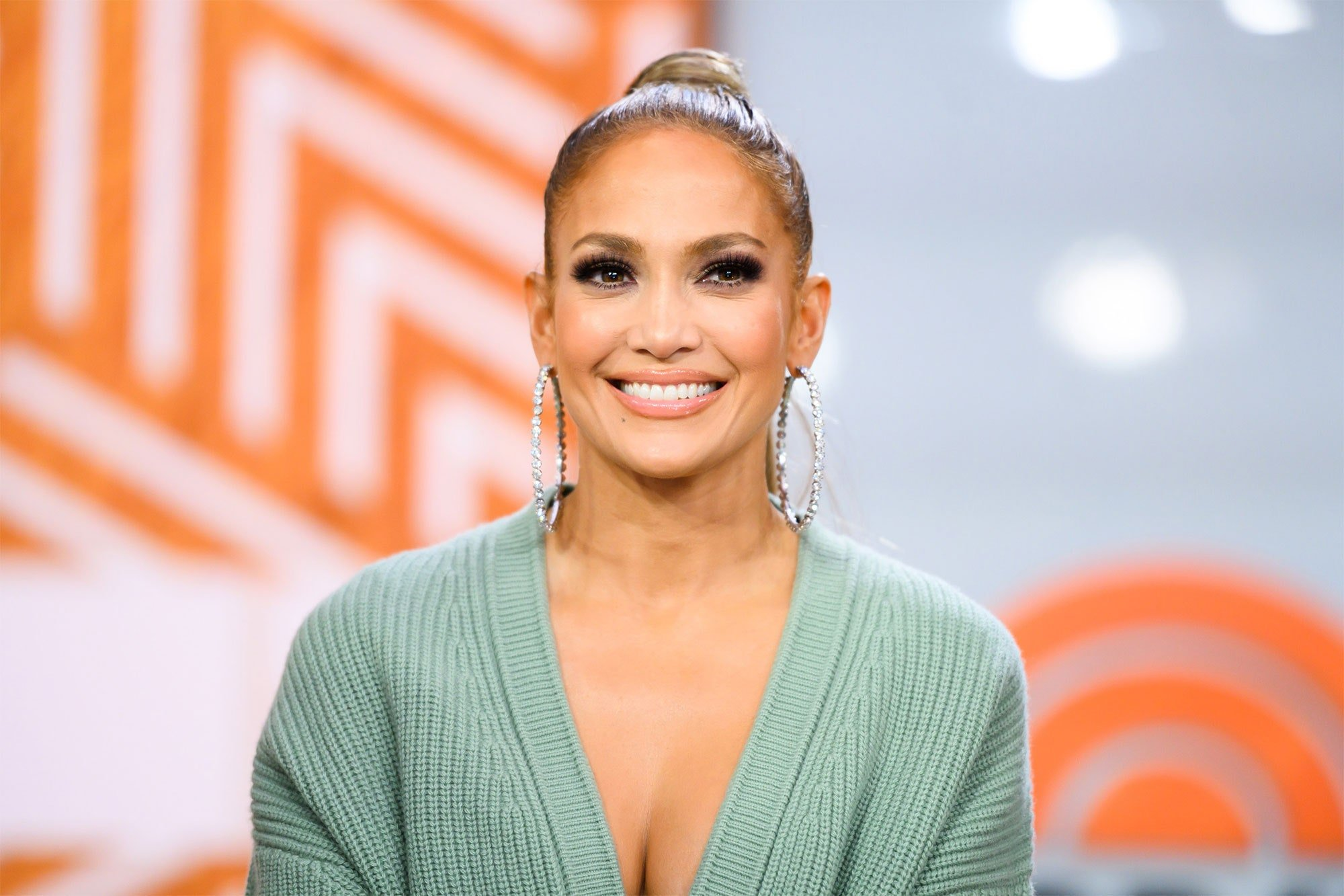 Jennifer Lopez Tells Moms Out There That Voting Is 'One Of The Most Important Things' They Can Do For Their Kids!