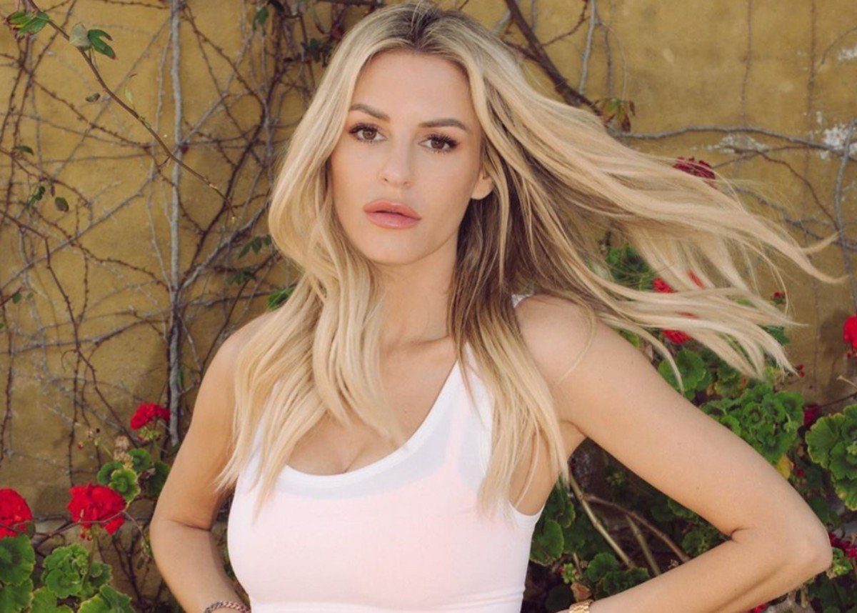 Morgan Stewart Is Pregnant And Gorgeous In Cardigan Dress — See The Look