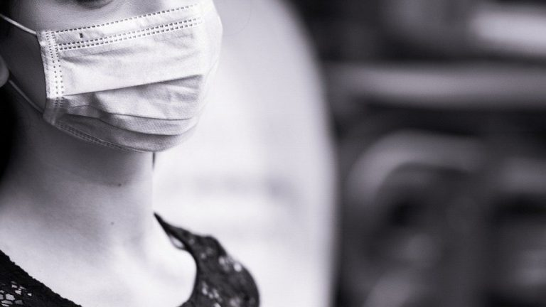 Face Masks Could Be More Efficient Than Vaccine, US Health Expert Says -- Does He Have a Point?