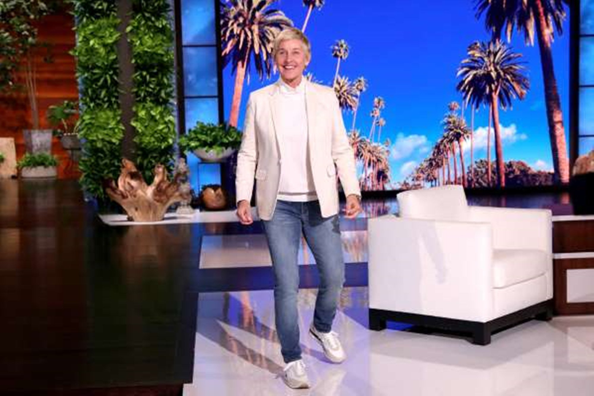 Ellen DeGeneres Scores Big In Ratings With Season Premiere Apology For 'Toxic Work Environment' — Critics Still Call Her Fake