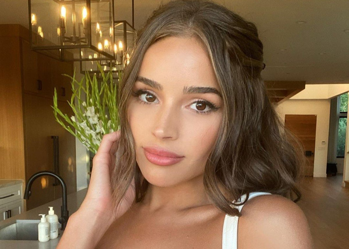Olivia Culpo Is Wonderful In Wintry White Dress — Check Out The Look!