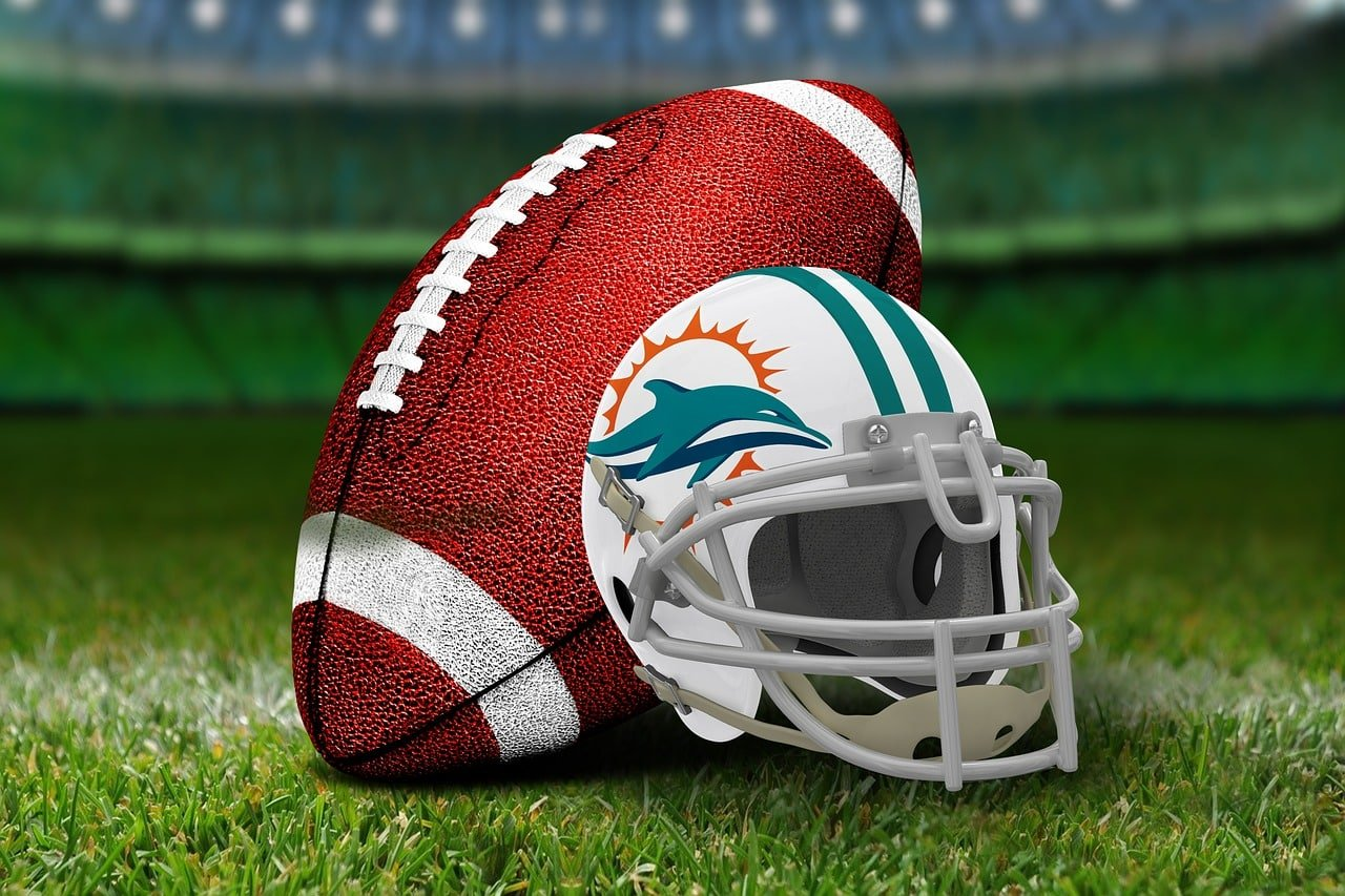 Fitzpatrick Sets an NFL Record, Leads the Dolphins to a 31-13 Win Over Jags