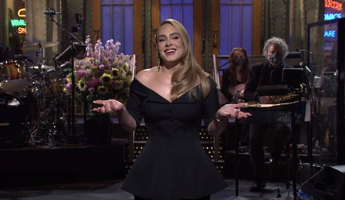 """Adele doing her monologue on """"SNL"""""""