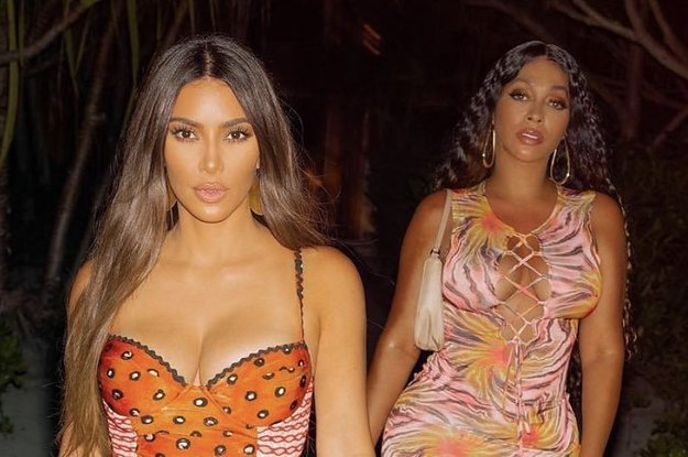 Kim Kardashian Continues To Post Oblivious Tweets About Her 40th Birthday Getaway, And Now People Think She Has Six Toes Too