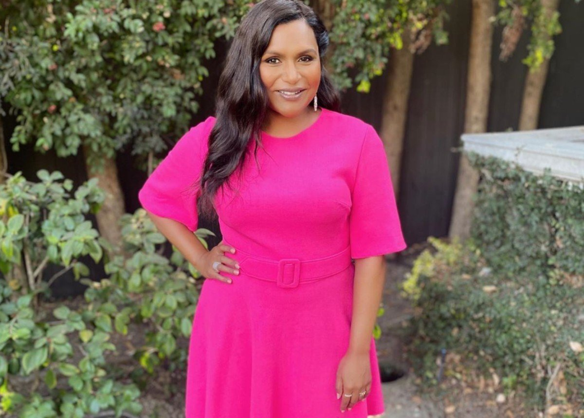 Mindy Kaling Looks Sensational In Oscar De La Renta Following The Birth Of Her Second Baby