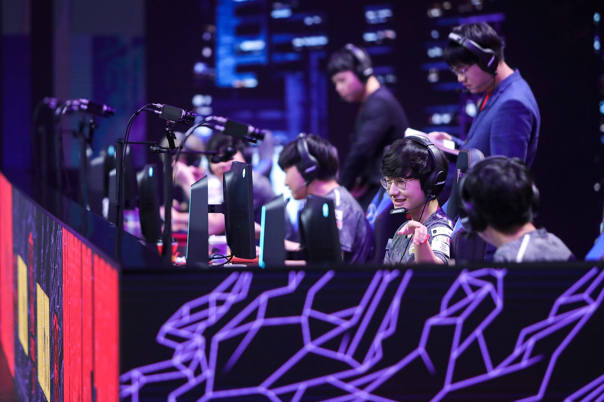 League Of Legends World Championship 2020 Main Group Event Day Two: LGD Gaming Vs Fnatic