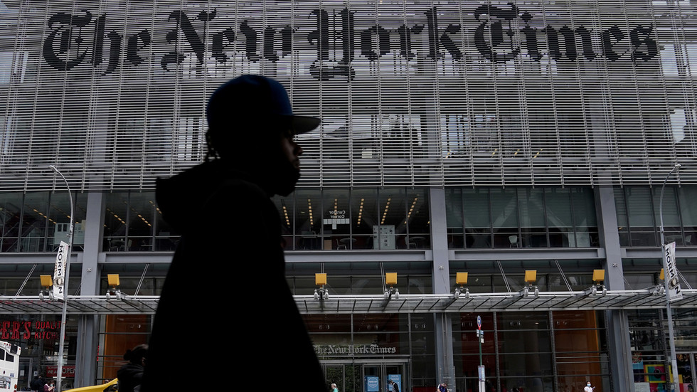 Someone tell Kamala Harris: NYT says there's no evidence Trump owes Russia money, and any claims otherwise are CONSPIRACY theories