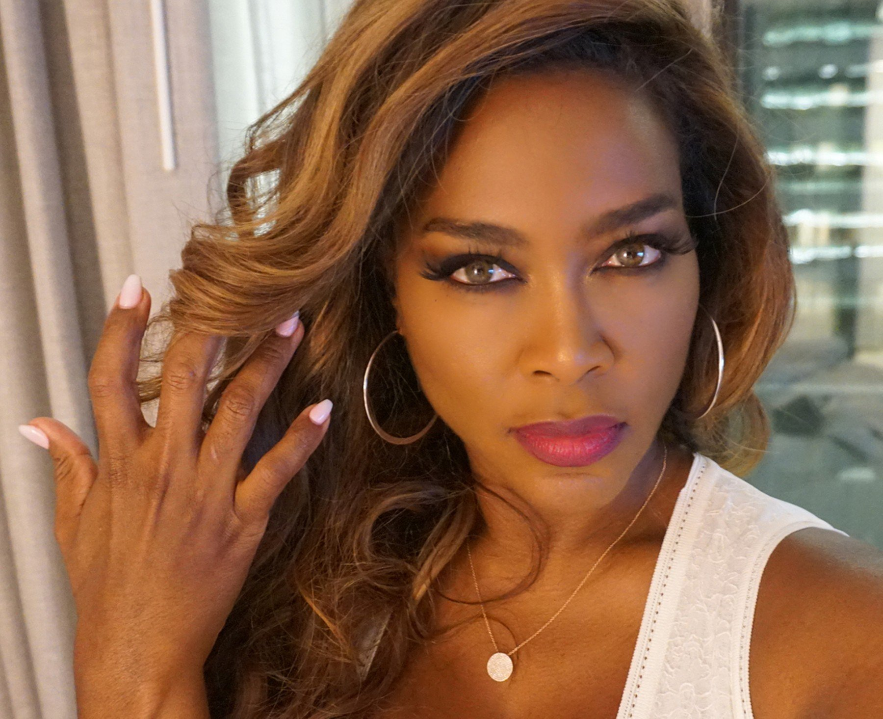 Kenya Moore Brings A Bit Of Sunshine To Lake Bailey – See The Gorgeous Photo