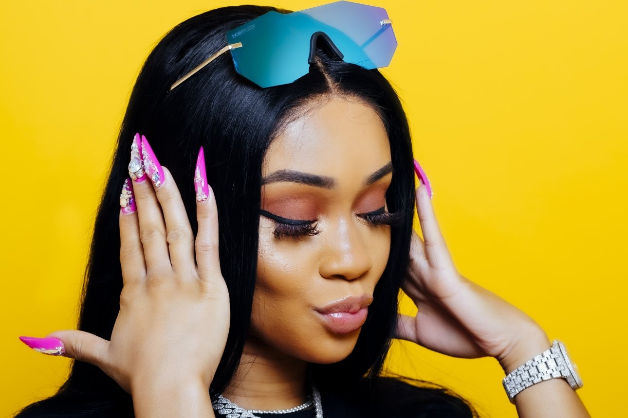 Saweetie Looks Drop-Dead Gorgeous In This Latest Clip – She's Flaunting Her Toned Body, Showing Off Her Best Assets