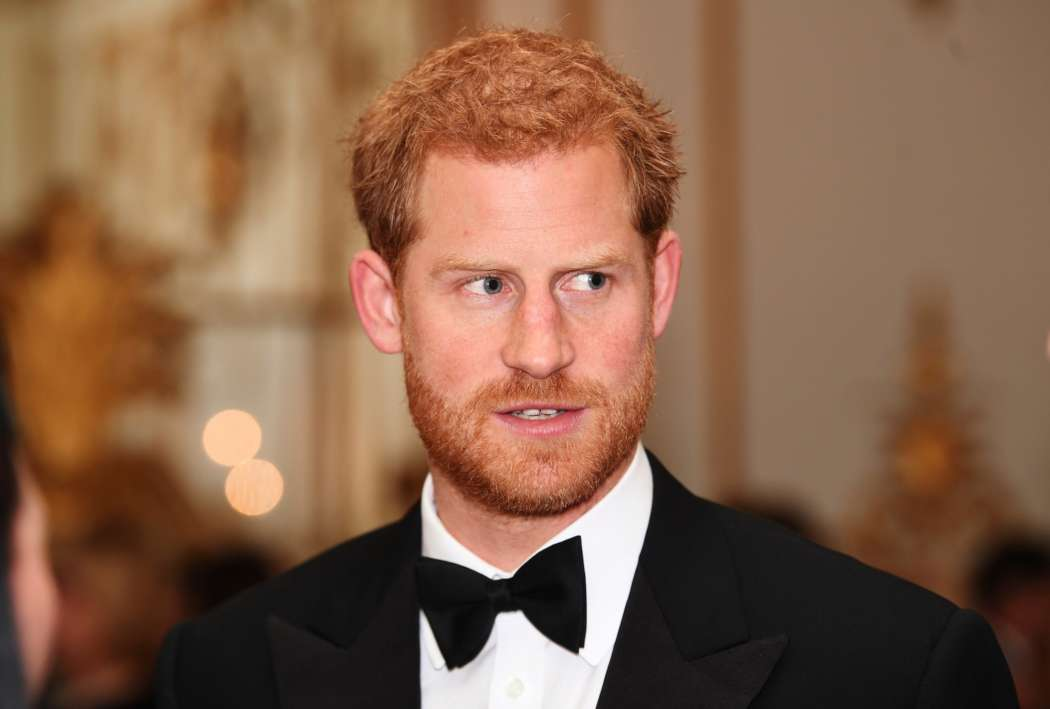 Prince Harry Flies Across The World For Tense Talk With Queen Elizabeth