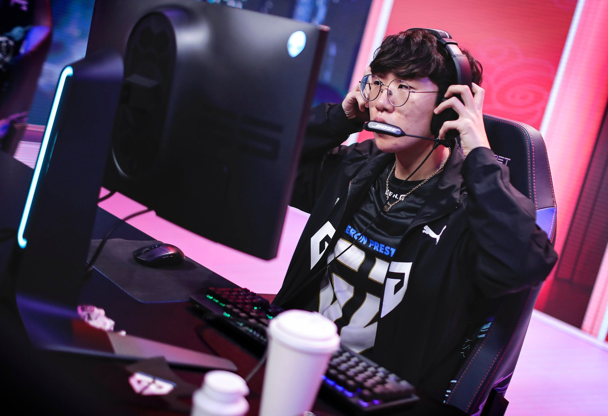 League Of Legends World Championship 2020 Main Group Event Day Seven: Team Solo Mid Vs Gen.G