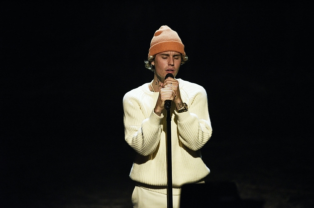 """Justin Bieber Got Really Worked Up During His """"SNL"""" Performance"""
