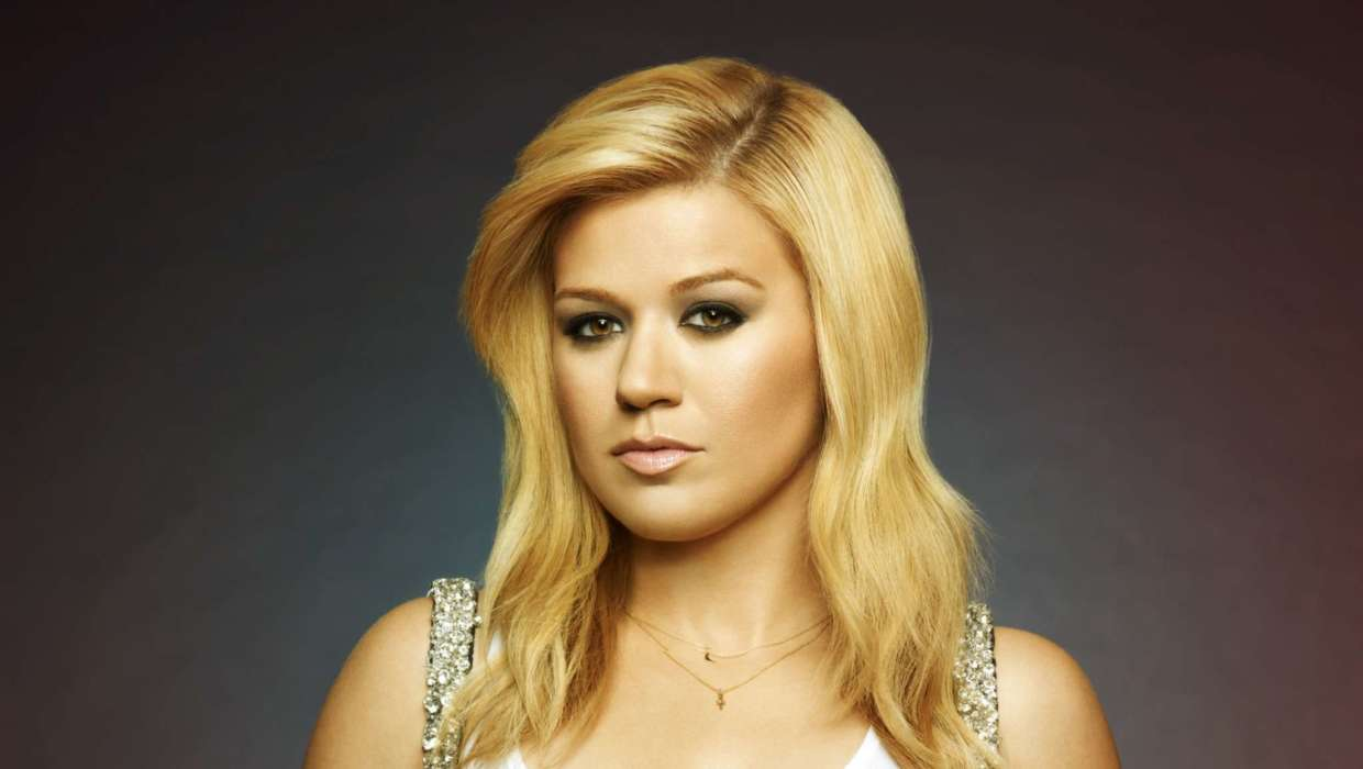 Kelly Clarkson Reveals That Her Children Are Currently Seeing Therapists And Psychologists Amid Her Divorce