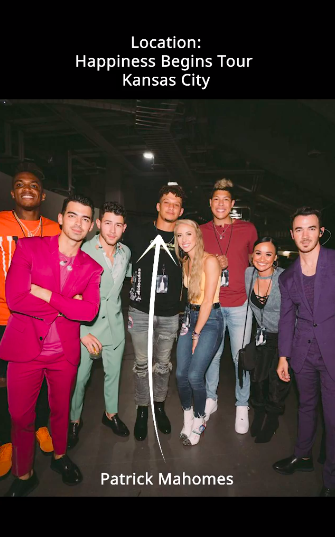A photo of Patrick Mahomes with the Jonas Brothers
