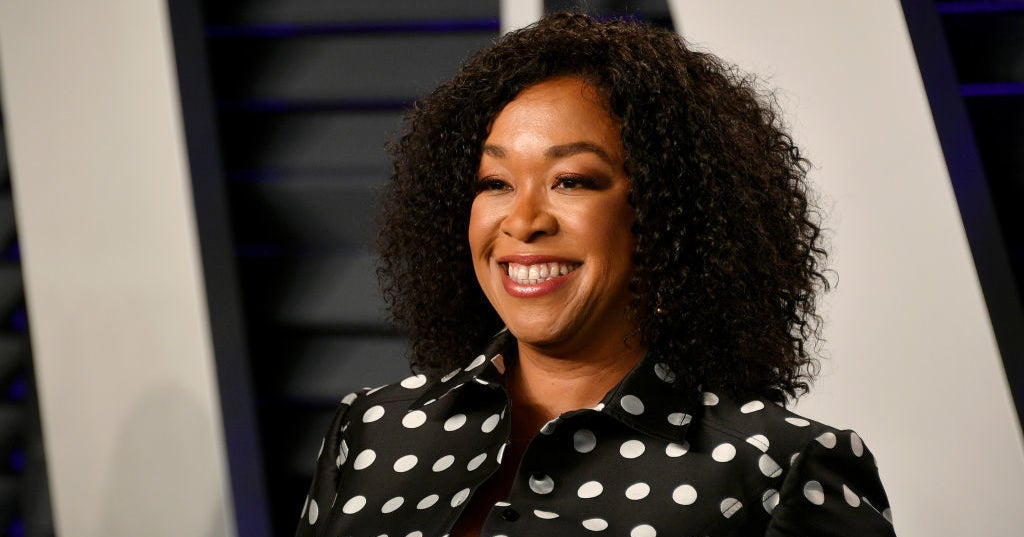 "Shonda Rhimes Left ABC Because Of A ""Disneyland Ticket Snub"" And A TV Writer Is Pointing Out The Racial Double Standard"