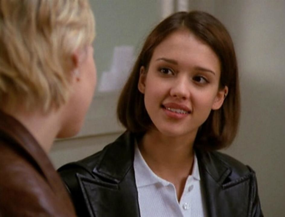 """Jessica plays Leanne a """"90210"""" episode"""