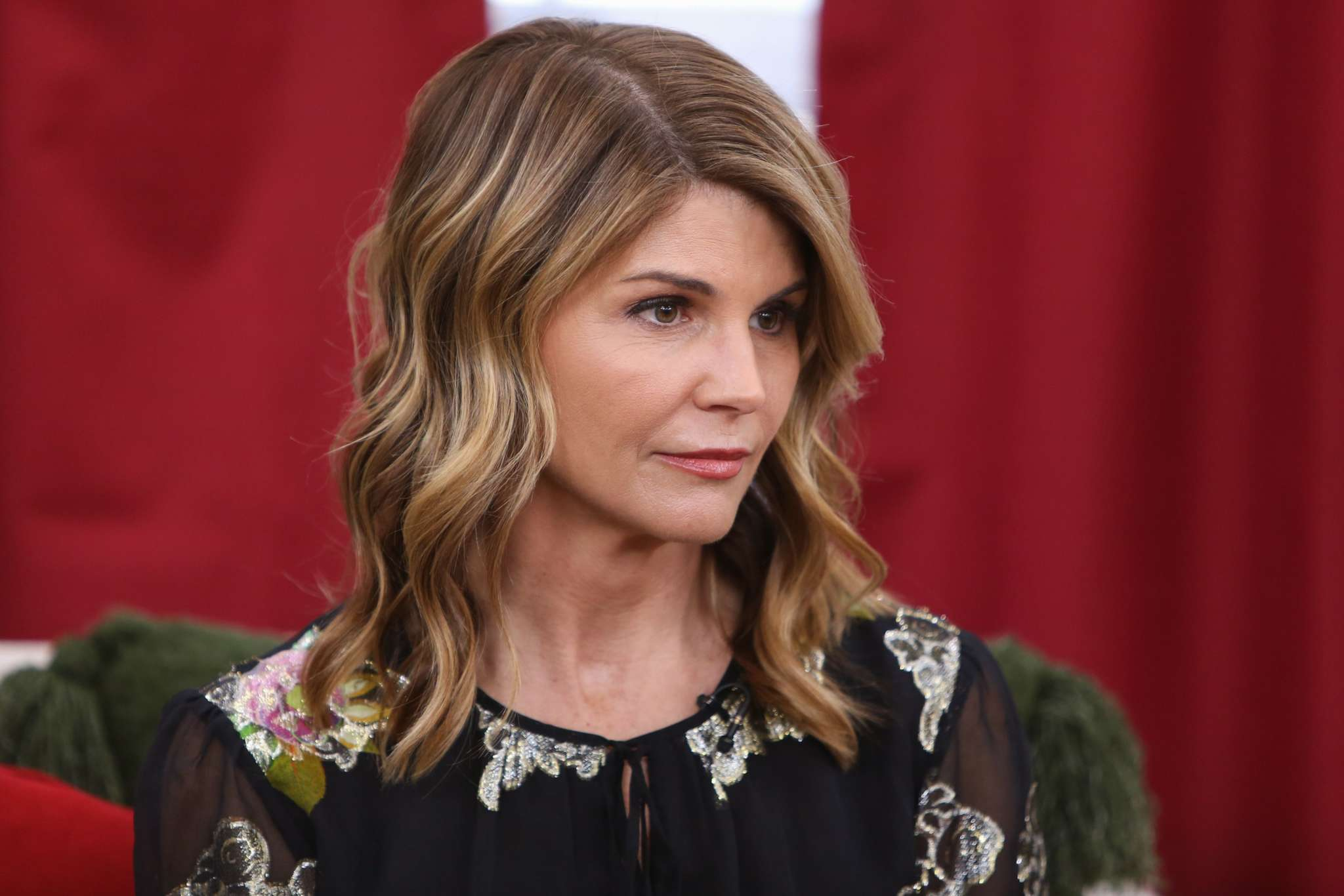 Lori Loughlin Already Feels Like She's Living A Nightmare Mere Days After Reporting To Prison!