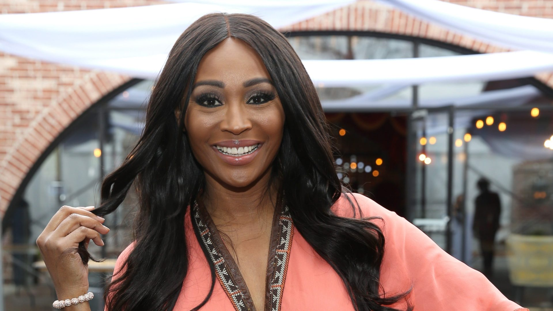 Cynthia Bailey Impresses Fans With Her Natural Thanksgiving Look – See Her Gorgeous Makeup Here