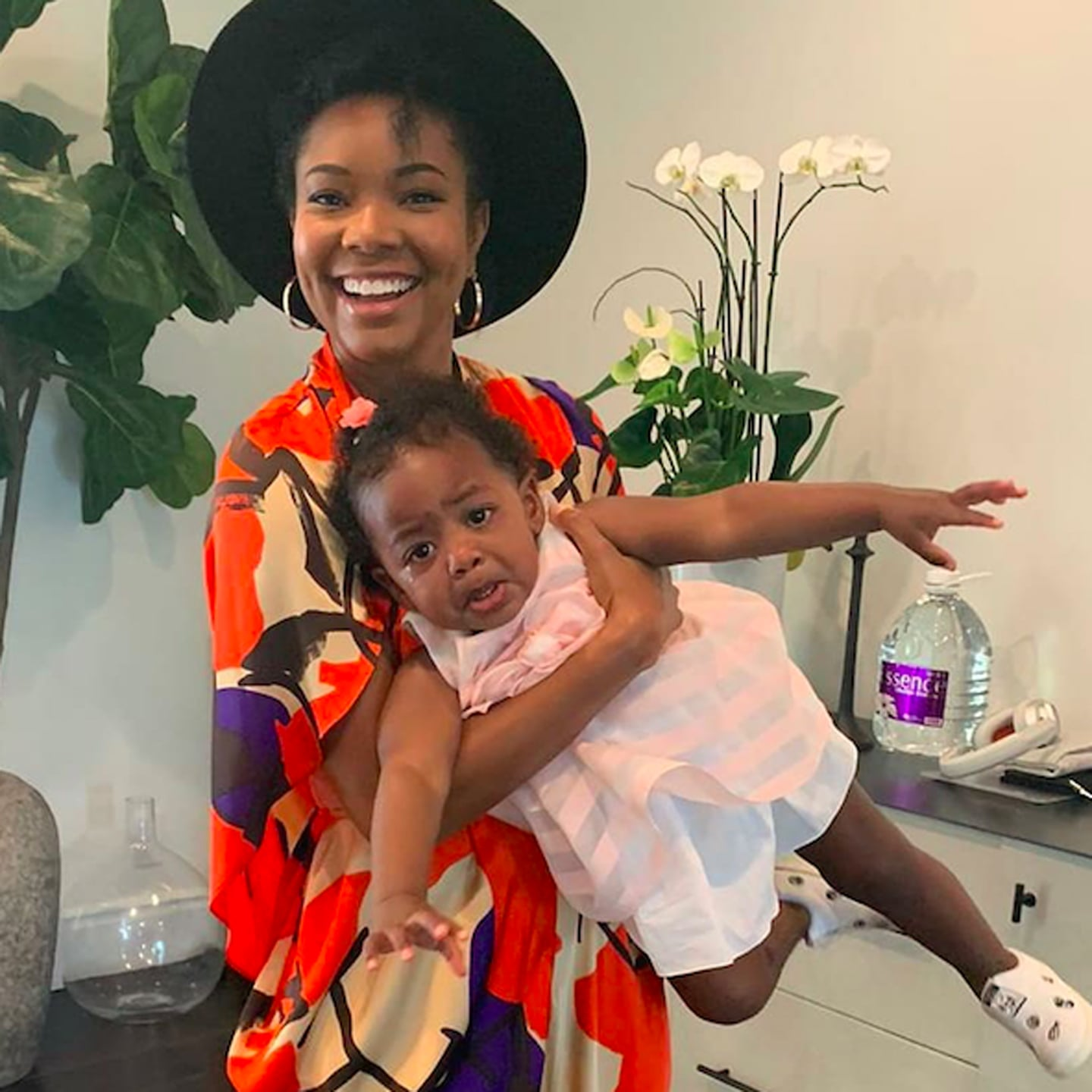 Gabrielle Union's Latest Photo Shoot With Shady Baby Kaavia James And Sunflowers Will Brighten Your Day!