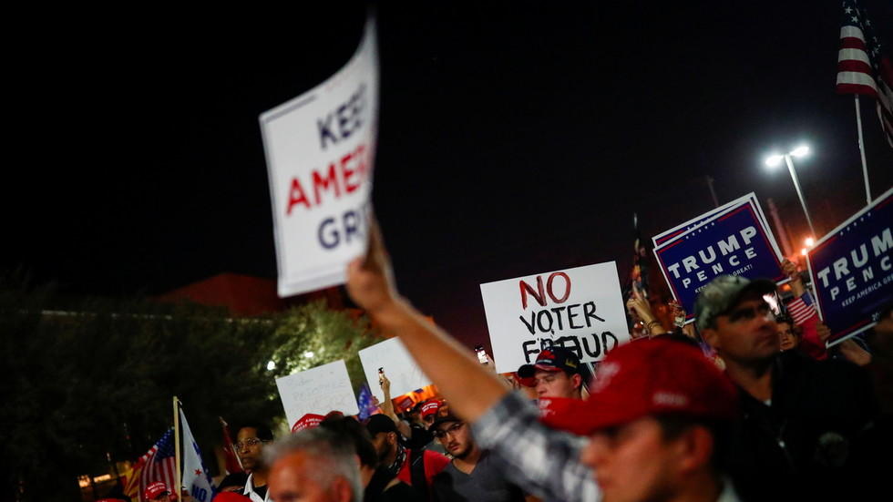 Police deployed as tensions run high at Maricopa County, Arizona ballot-counting office (VIDEO)