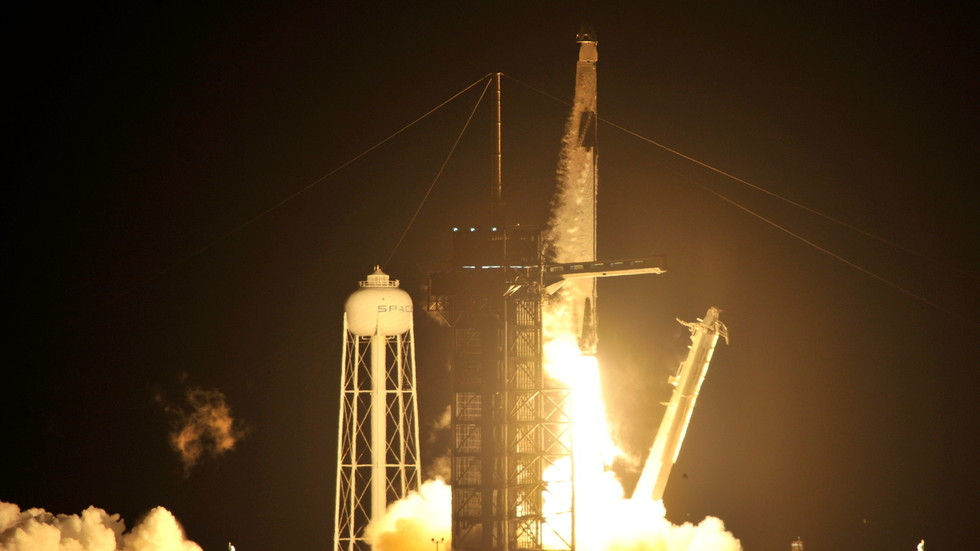 Liftoff! SpaceX Crew Dragon launches to Space Station with crew of 4 astronauts