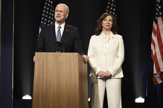 """""""SNL"""" Explained How They Managed To Recreate Kamala Harris' White Pantsuit So Quickly"""