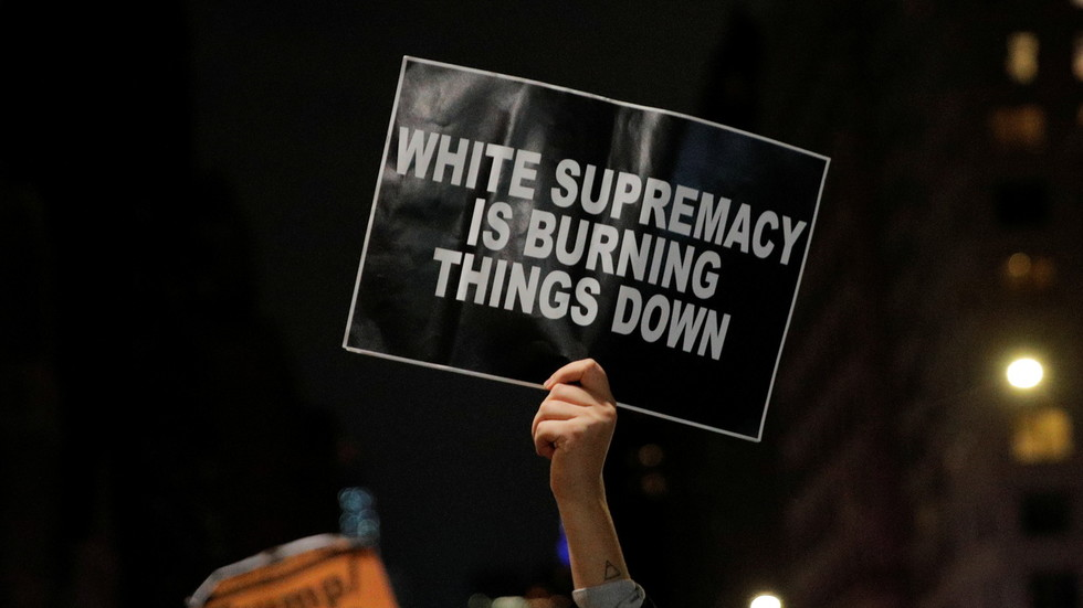 Election night tensions see BLM protests erupt across US (VIDEOS)