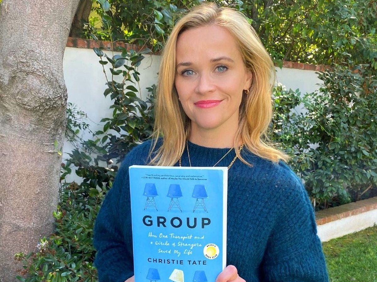 How To Join Reese Witherspoon's Book Club X Hello Sunshine