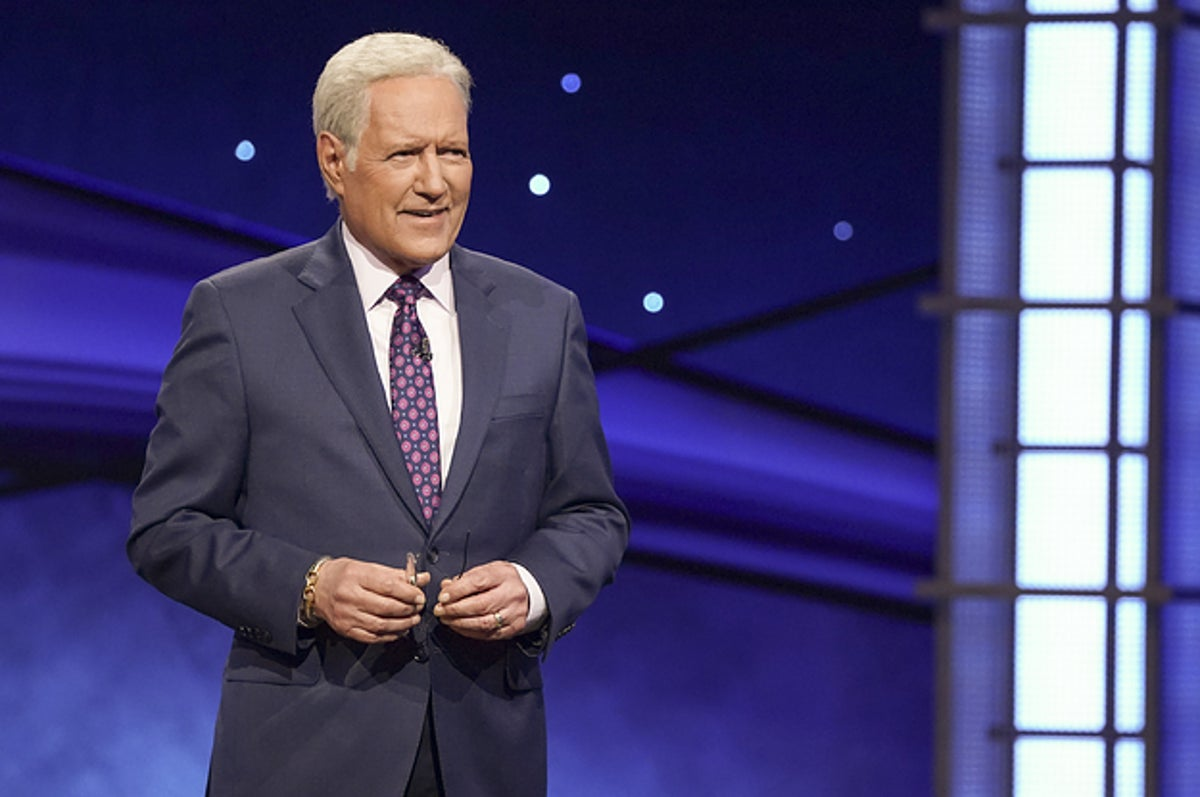 """Celebrities Are Paying Tribute To """"Jeopardy!"""" Host Alex Trebek Following His Death"""