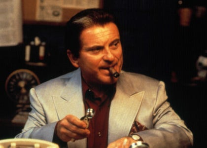 Joe Pesci with a cigar in his mouth in Casino