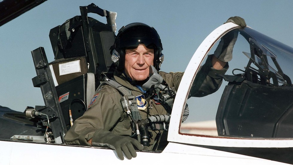 US Air Force legend & first pilot to break sound barrier, Chuck Yeager, dies at 97