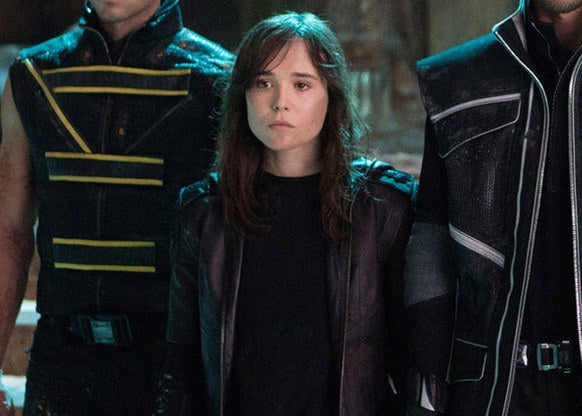 Kitty standing with her fellow mutants