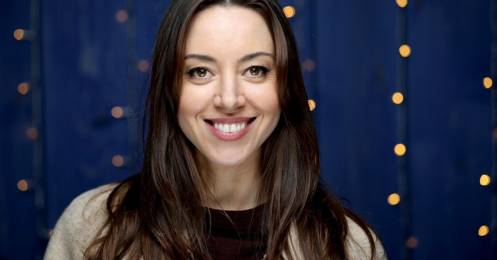 """21 Things We Learned On Zoom With """"Black Bear"""" Star Aubrey Plaza"""