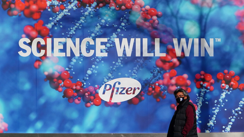 FDA panel says 'benefits outweigh risks' for Pfizer vaccine & recommends emergency authorization in non-unanimous vote